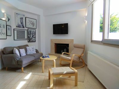 Photo for 2 Bedrooms Nookie Guesthouse with large courtyard