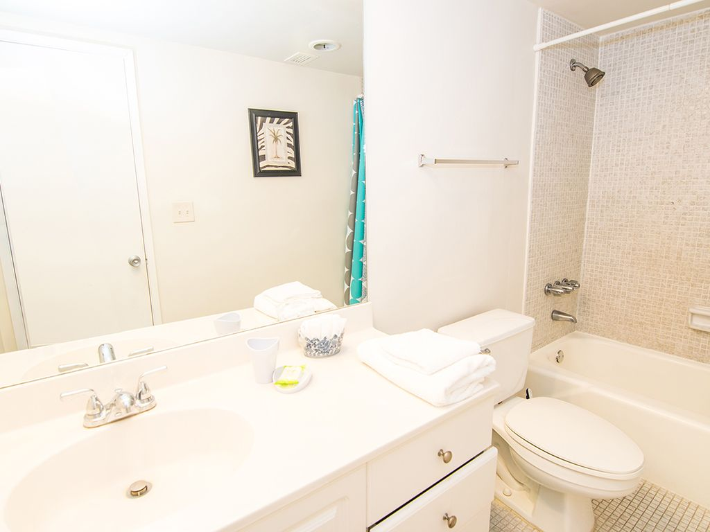 O reserve standard 2 1 bed 1 bath steps away from the for 1 bed 1 5 bath
