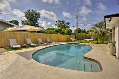 This 3-bedroom, 2-bath home offers an amazing pool deck with luxury amenities.