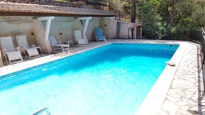 Photo for Villa with private pool in the south of France