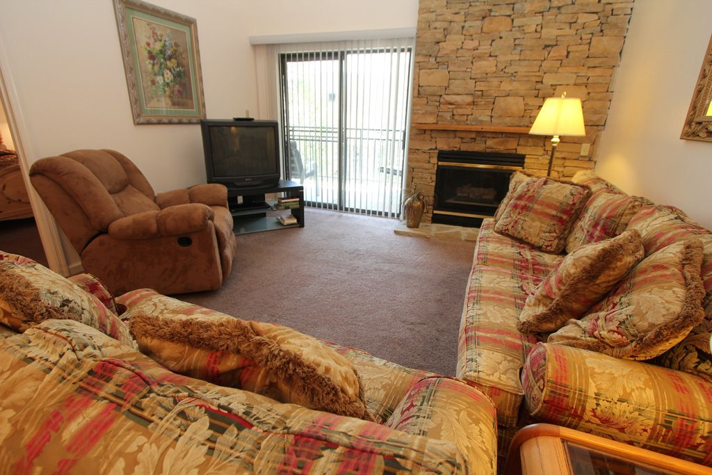 Three bedroom condo with loft sleeps 10 gatlinburg - Gatlinburg 3 bedroom condo rentals ...