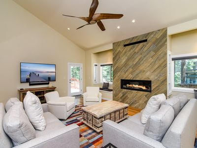 Photo for 4BR Carnelian Bay - 1 Mile to Patton Beach, Near Slopes & Tahoe