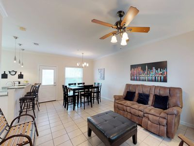 Photo for Comfortable condo w/ private patio & shared pool/hot tub access!