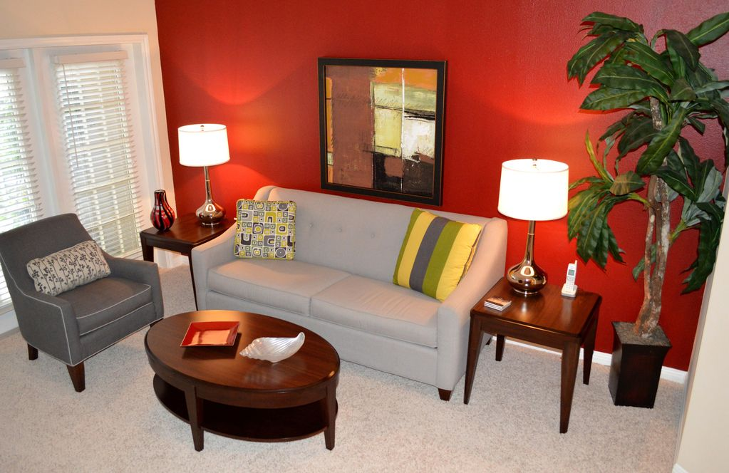 Beautiful 1 bed / 1 bath apt. w/ shuttle service to MDA and Med. Center