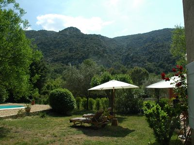 Photo for Charming Villa on a 1000 m² garden, private pool, Avignon, Luberon
