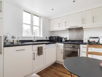 Photo for Elvaston Place London Flat Sleeps 4