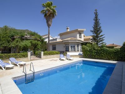 Photo for Magnificent villa with garden and pool.