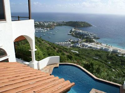 LEONES.... Private love nest high on a hill with outstanding views of the ocean and St Barths