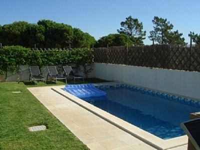 Photo for Modern 4 bed townhouse on a quiet estate Between Quinta Do Lago and Vale Do Lobo