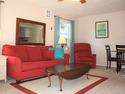 Photo for Cozy 1 Bedrm/1 Bth, Walk to Downtown, Pet Friendly, Fenced yard, Covered Patio