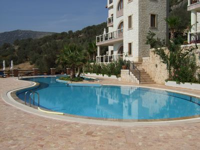 Saneil pool and terrace