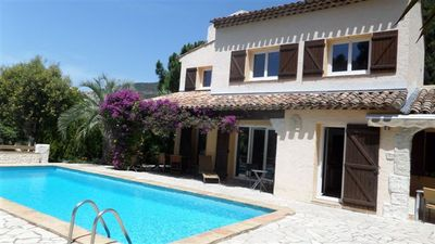 Photo for Les Issambres, superb villa with pool, sea view, quiet 1km from the beach