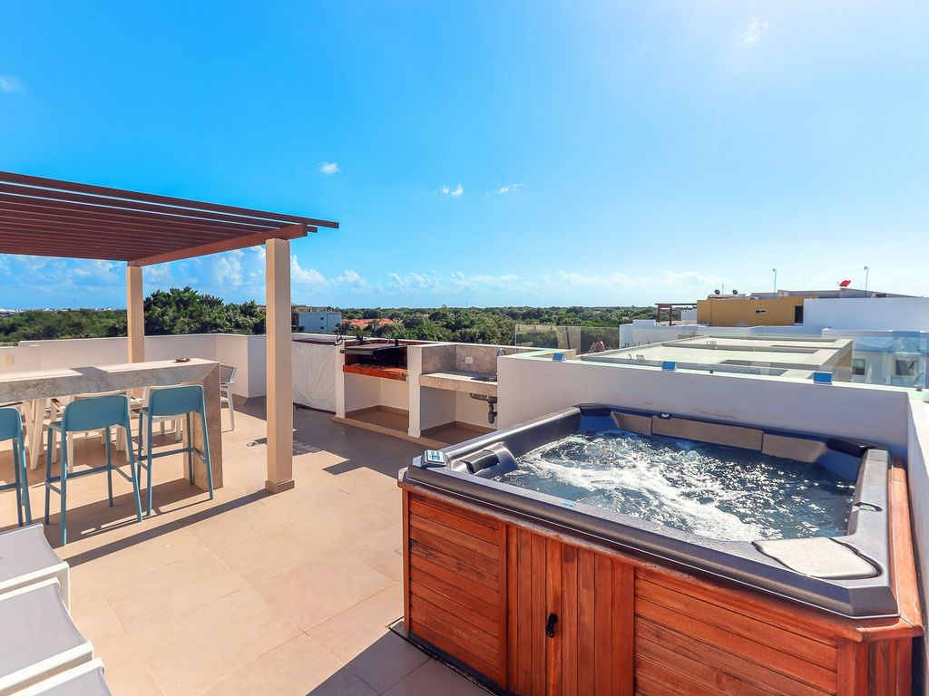 Playa Penthouse with Private Rooftop Jacuzz... - VRBO