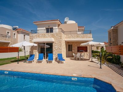 Photo for Paphos Villa, Sleeps 6 with Pool, Air Con and WiFi