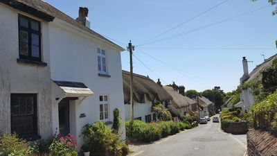 Photo for 3 bed character cottage in Thurlestone, S. Devon close to sandy beaches & golf