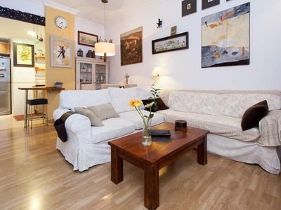 Photo for Lovely apartment in the historic district of Seville (+ WiFi & AC)