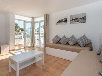 Photo for Beautiful apartment for 4 guests with WIFI, TV and balcony
