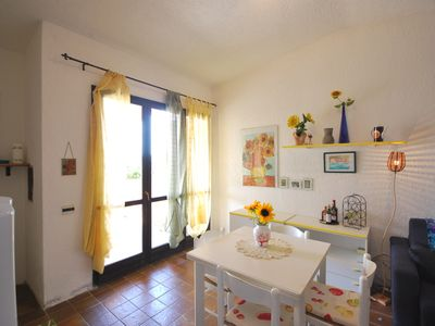 Photo for Villa with private garden in residence, free entry to the pool