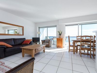 Photo for Bright apartment near beach in Cannes with large balcony and fabulous sea views