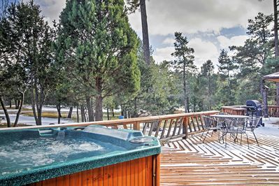 Book your trip to this 3-bedroom, 3-bath Alto vacation rental home.