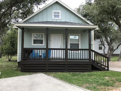 Photo for Cozy Cottage w/ pool access, great weekend getaway, close to Copano Boat Ramp!