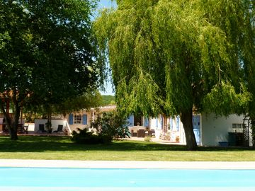 CHARMING COTTAGE with Private pool, Garden, WIFI, Covered BBQ area