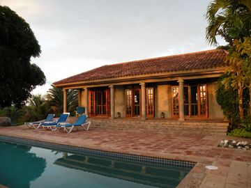 Casa Dos Cuervos - Hilltop villa, spectacular ocean and island views