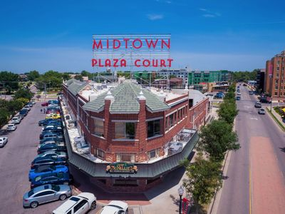Photo for Charming Midtown Private 1 Bed - Lots of Attractions and Eateries Blocks Away!