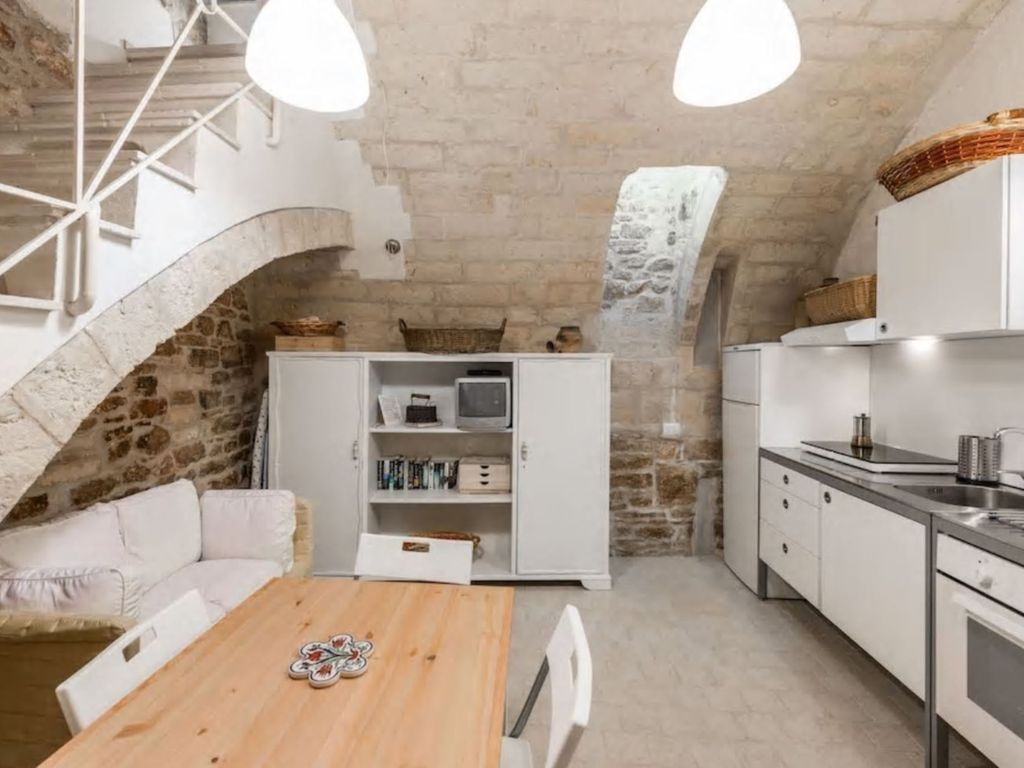 MEDIEVAL TOWER HOLIDAY HOUSE BISCEGLIE - 6818782