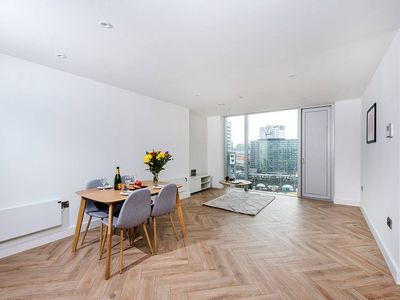 Photo for Spectacular 2BR Apartment in Manchester