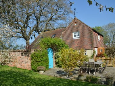 Photo for Rosemary Cottage - Jolesfield, West Sussex