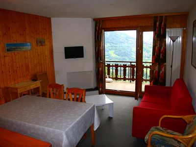 Photo for Apartment for 4/6 people; located at about 800 m from the ski slopes and only 100 m from the shuttle