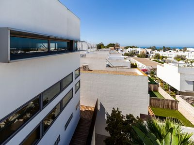 Photo for Modern Studio Apartment Close to Beach with Air-Conditioning, Wi-Fi, Terrace and Panoramic Ocean View