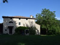 a beautifully central located property for touring southern Tuscany