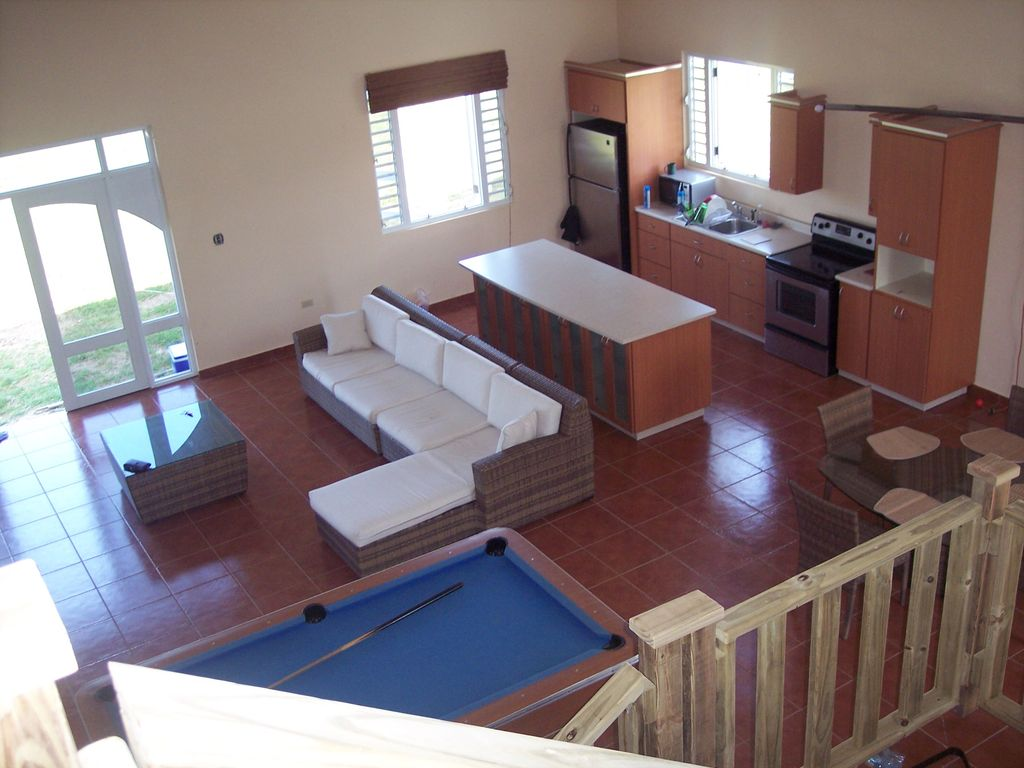 Very spacious beach house in a private place with an extensive yard