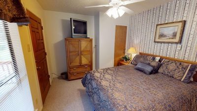 Photo for Valley Condo #108- Kid Friendly, High Speed WiFi, Washer/Dryer, Sleeps 6, Community Hot Tubs