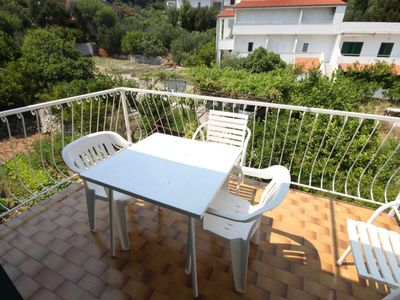 Photo for Three bedroom apartment near beach Igrane (Makarska)