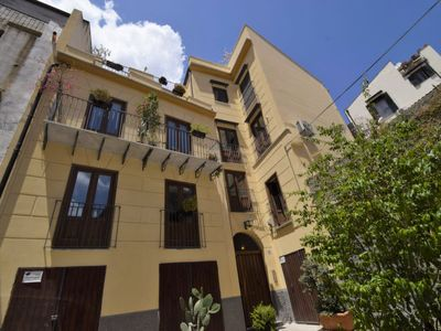Photo for Kalsa Apartment, Sleeps 4 with Air Con and WiFi