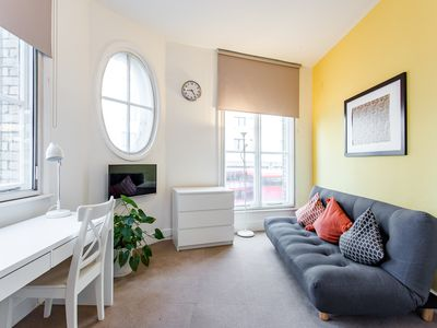 Photo for VIBRANT APARTMENT - HEART OF SHOREDITCH