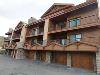 Photo for Beautiful 4 BR Paradise condo. Ski in/out, Garage, hot tub & Pet Friendly! Shuttle.