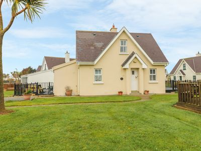 Photo for Driftwood Cottage, FETHARD-ON-SEA, COUNTY WEXFORD
