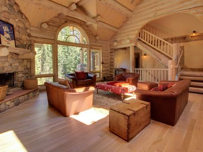 Photo for Secluded home with excellent slope access, jukebox, pool table, and jetted tub