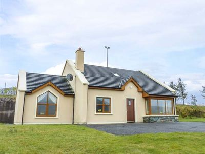 Photo for NUMBER 7, family friendly in Lispole, County Kerry, Ref 933367