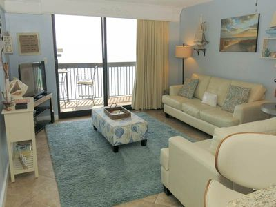 Photo for Stunning Condo, On-site pools with splash pad, Restaurant with bar, On the beach