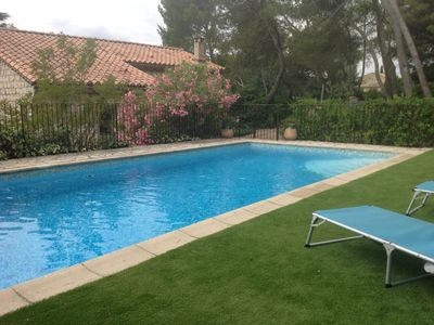 Photo for House quiet, 5 minutes from Avignon. Garden, pool and kitchen Summer
