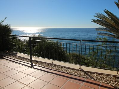 Photo for LOVELY SEA VIEW FLAT STUNNING VIEWS!