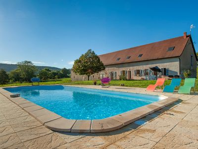 Photo for Longère 15 people, heated swimming pool, jacuzzi, sauna, Morvan park