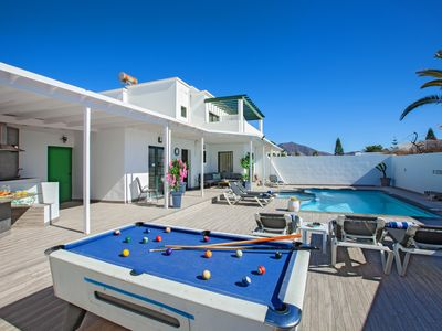 Photo for Family Villa with Private Pool & Pool Table - 15-20 Mins Walk into Town Centre
