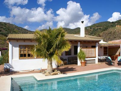 Photo for Detached finca with salt-water pool, in a rural location near Torre del Mar