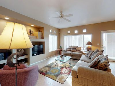 Photo for Comfy, Southwestern-themed condo with shared pool & hot tub!